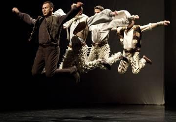 tanec-medzi-crepinami