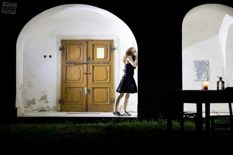 Nočné potulky Bátovcami. Foto: Kodak Express Levice