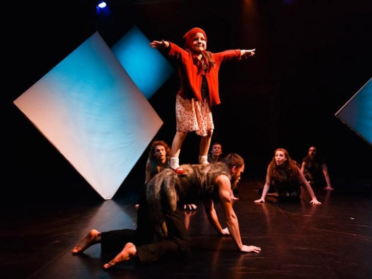 divadlo-studio-tanca-v-banskej-bystrici-pastierka-vlkov-nestandard2