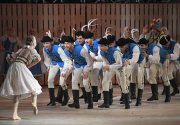 Skúška tanečného predstavenia Rodná zem v Štátnom divadle Košice 28. novembra 2018. Na snímke Podpolianska mlaï. FOTO TASR – František Iván